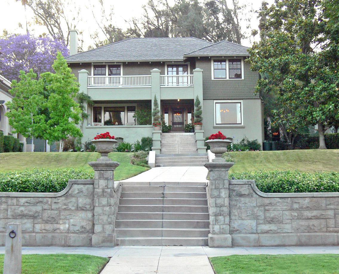 3471 Redwood Dr, Riverside CA 92501